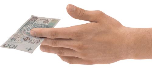 dłoń z 100 zł