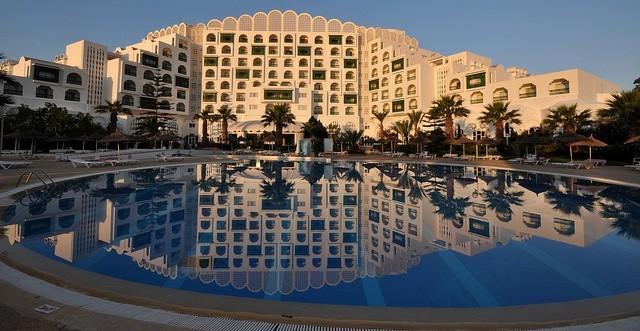 ładny hotel i basen