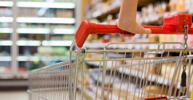 Jak oszczędzać robiąc zakupy? Jak zaoszczędzić na codziennych zakupach?