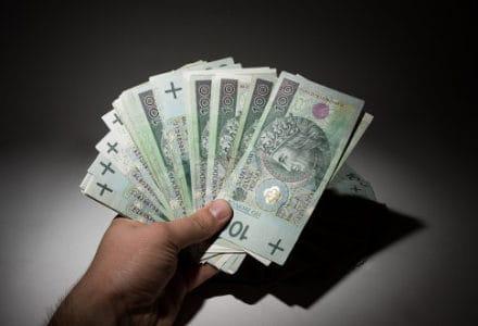 Pozabankowa pożyczka na raty: kto dostaje najlepsze warunki?